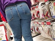 Juicy butts teen girls in tight jeans