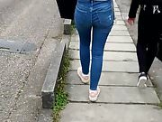 A beautifull ass in jeans